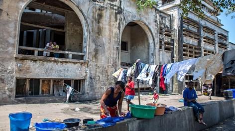 Resultado de imagem para hotel beira mocambique