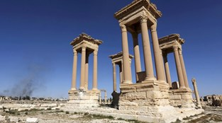 Daesh destrói mais monumentos em Palmira