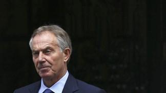 Tony Blair apela a protestos contra o Brexit