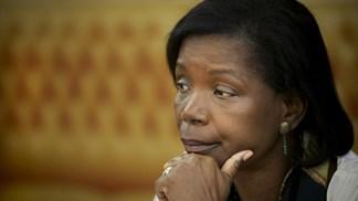 Visita da ministra da Justiça a Angola adiada