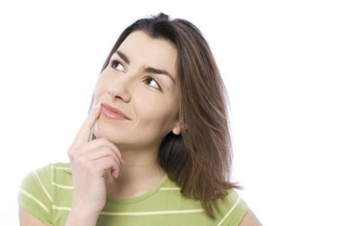 <span><strong>Obrigue-se a recordar</strong><br />Quando lhe custa perceber e assimilar alguma coisa, geralmente &eacute; quando usa os seus melhores esfor&ccedil;os para aprender. Para ajudar, a ci&ecirc;ncia provou que &eacute; importante for&ccedil;ar-se a recordar um facto. Quando tenta lembrar-se de determinada informa&ccedil;&atilde;o, interrompe o processo de aprendizagem e ajuda a cimentar os dados no seu c&eacute;rebro. O melhor mesmo &eacute; espa&ccedil;ar estas tentativas de recorda&ccedil;&atilde;o no tempo, porque assim, implica maior esfor&ccedil;o cognitivo e a mem&oacute;ria fica mais forte</span>