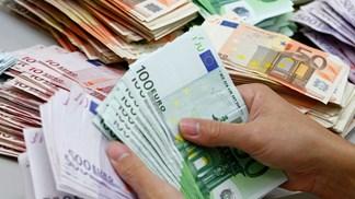 Resultado de imagem para Pagamentos em dinheiro serão limitados a 3.000 euros