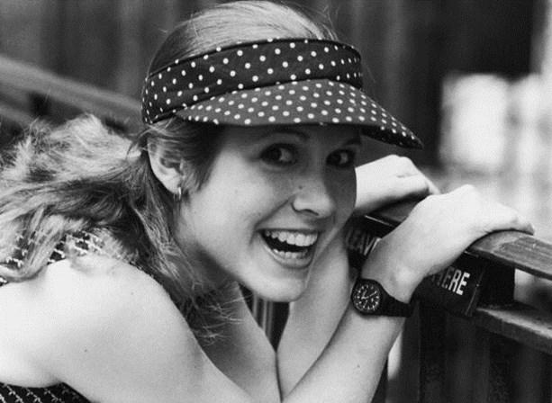 <p><span>Carrie em 1980.&nbsp;</span></p>