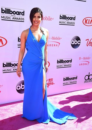 Passadeira vermelha da gala Billboard Music Award, em 2016<br />&nbsp;