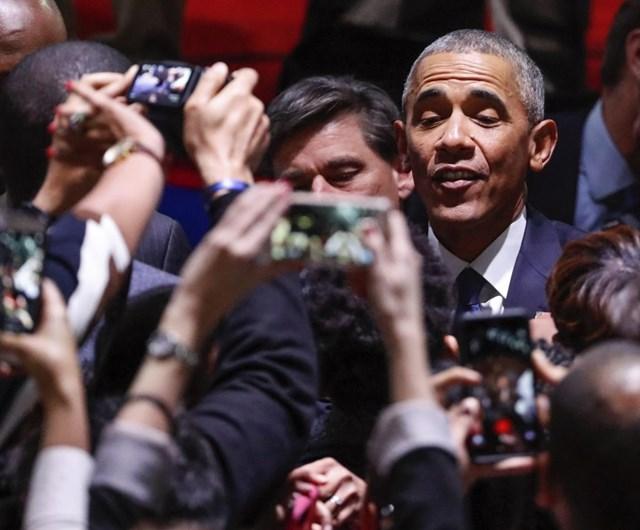 Lágrimas, amor e família. As imagens do adeus de Obama