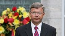 Ex-PM da Noruega interrogado nos EUA por visitar Irão em 2014