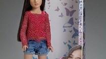 Jovem transgénero inspira boneca