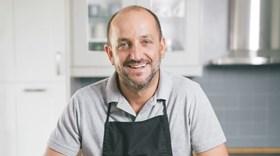 Receitas Mês a Mês: treinador de râguebi lança livro de cozinha