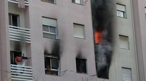 Incêndio num prédio causa seis feridos. Fogo extinto