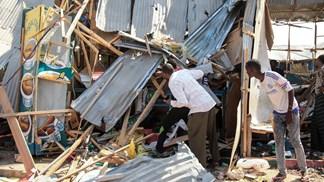 Pelo menos 14 mortos após explosão de carro armadilhado na Somália