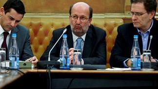 Ministro lembra que queixa contra Espanha só está suspensa