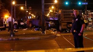 Caimão atinge desfile de Carnaval e provoca 28 feridos