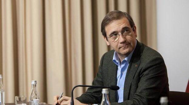 Passos Coelho acusa Governo de não