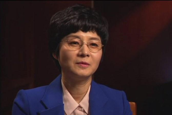 <p><strong>Kim Hyun-hui</strong></p> <p>Foi uma operacional da Coreia do Norte que aprendeu japon&ecirc;s e foi enviada para a Coreia do Sul para perturbar os Jogos Ol&iacute;mpicos de Seul, na Coreia do Seul, que se realizaram em 1988. Um ano antes, Kim Hyun-hui colocou uma bomba no voo 858 da companhia sul-coreana Korean Air que, depois da pr&oacute;pria ter sa&iacute;do numa escala, rebentou provocando a morte a 115 pessoas. Foi condenada &agrave; morte, perdoada e acabou por casar-se com um agente secreto sul-coreano.&nbsp;</p>