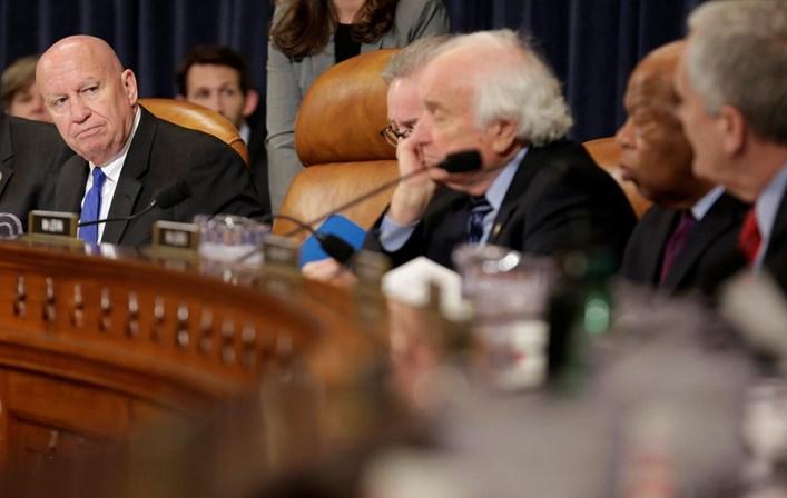 Senado aprova a brutal descida de impostos de Trump
