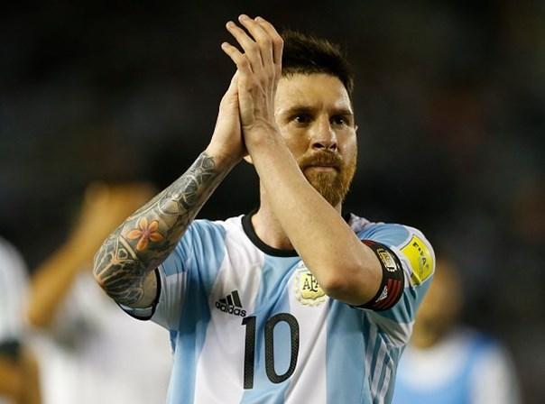 Pena de prisão substituída por multa — Messi
