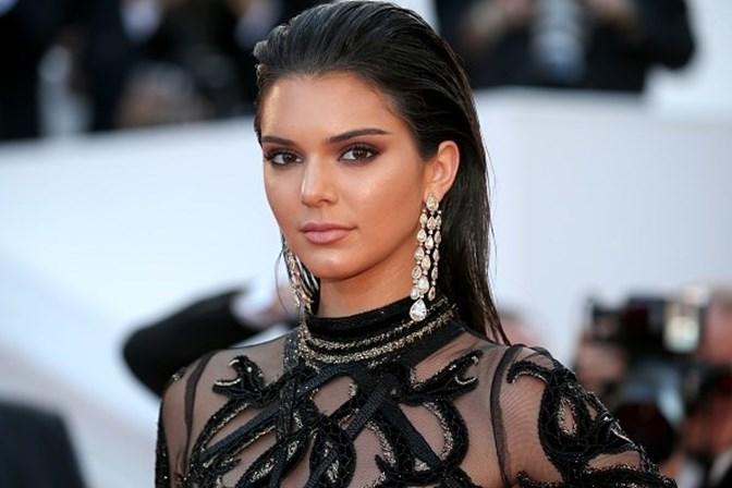 Kendall Jenner conta tudo sobre boatos de ser homossexual e relacionamentos