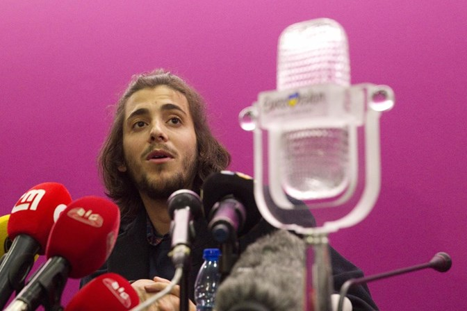 Salvador Sobral anuncia pausa na música devido a problemas de saúde