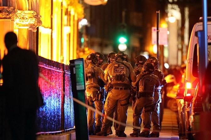 Polícia prende mais dois suspeitos de envolvimento com ataques em Londres