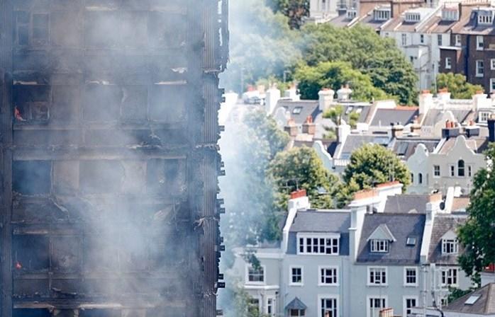 Número de mortos em incêndio de edifício em Londres sobe para 12