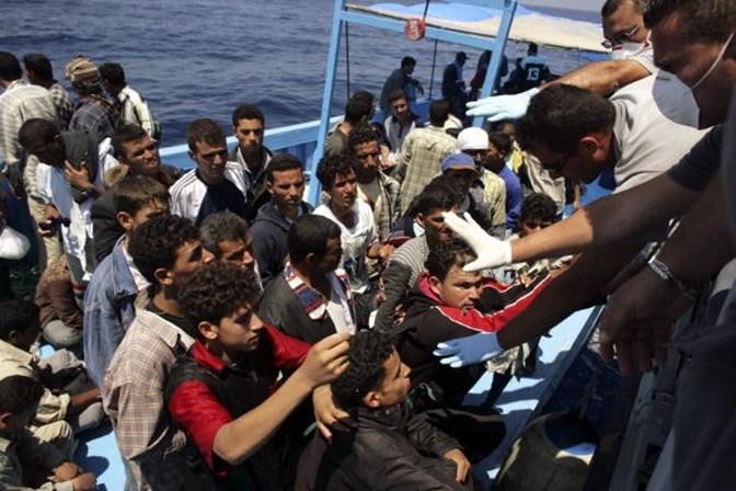 Mediterrâneo: 126 imigrantes estão desaparecidos após naufrágio