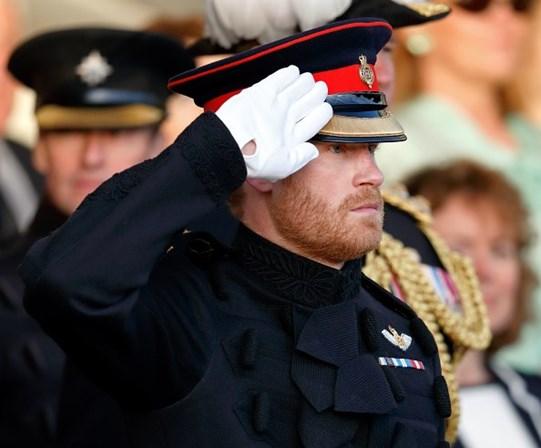 Príncipe Harry revela trauma vivido no funeral da mãe