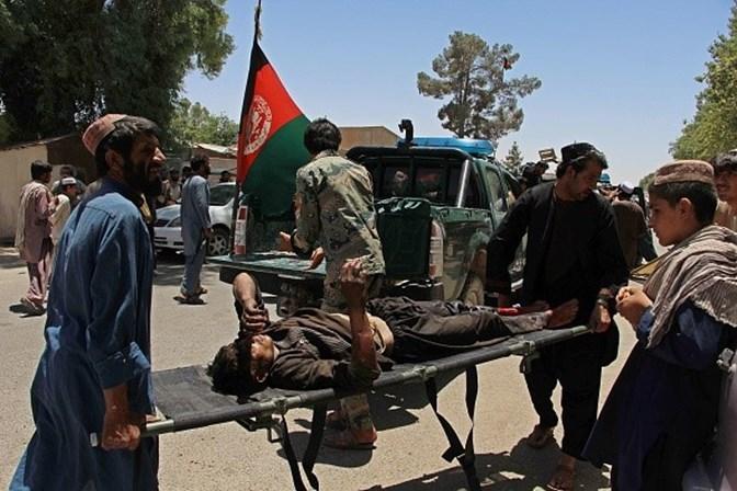 Explosão de carro-bomba deixa vários mortos no Afeganistão