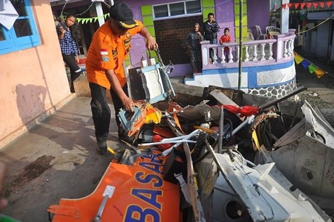 Oito mortos em queda de helicóptero de salvamento