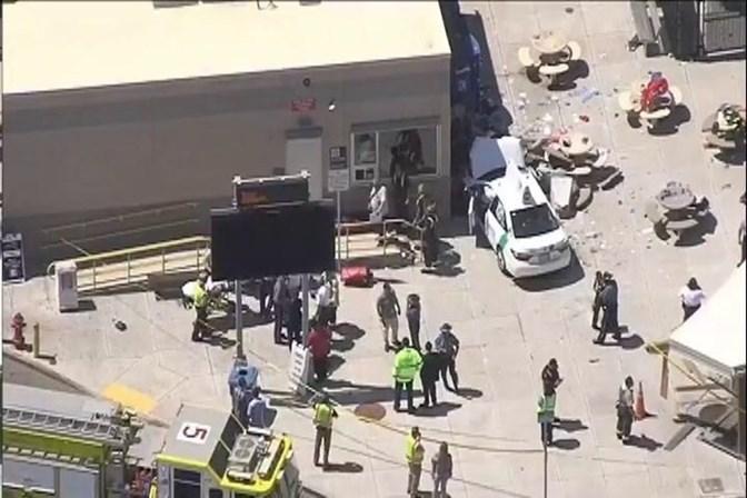 Homem atropela pedestres próximo a aeroporto de Boston e deixa feridos