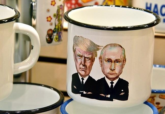 Trump e Putin encontram-se pela primeira vez