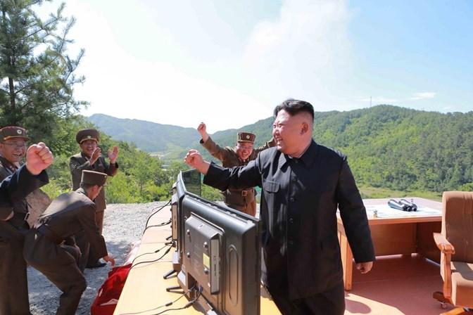 Mulher de Kim Jong-un aparece ao fim de vários meses