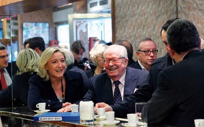 Incitação ao ódio racial: 'Pai' Le Pen vai ser julgado em França