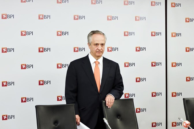 Resultado de imagem para Banco BPI anuncia saída de 617 trabalhadores