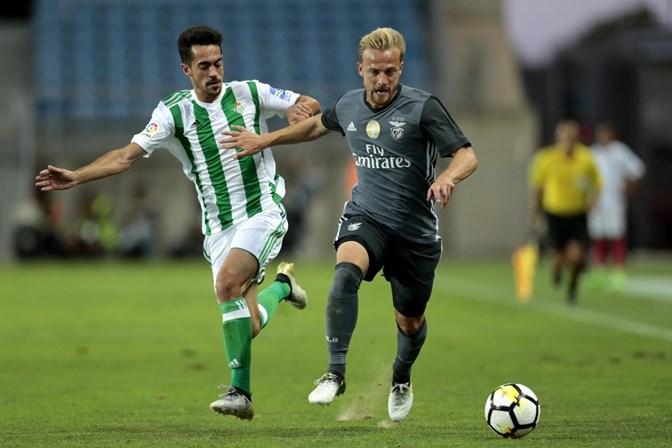 Rui Vitória chama Buta para os dois jogos no Algarve