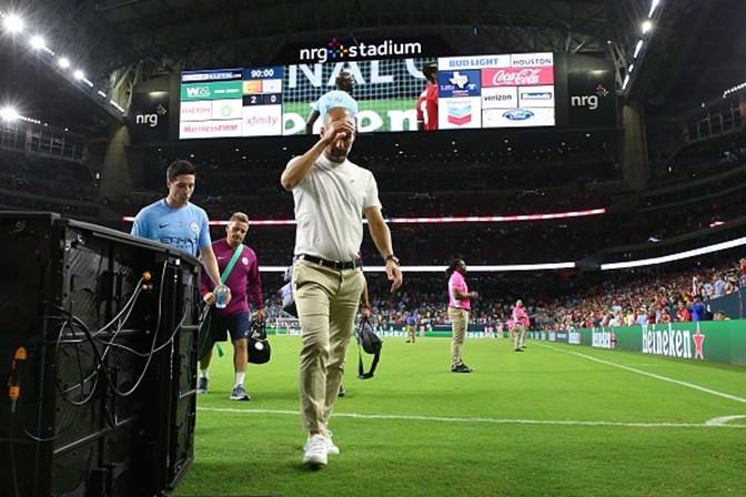 Mourinho confia na permanência de De Gea e explica porquê