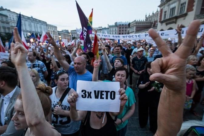 Presidente polaco veta reforma do Supremo Tribunal