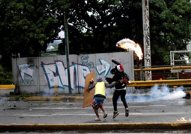 Fascistas assassinam a tiros candidato à Constituinte na Venezuela