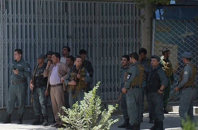 Estado Islâmico invade prédio de embaixada do Iraque e mata dois