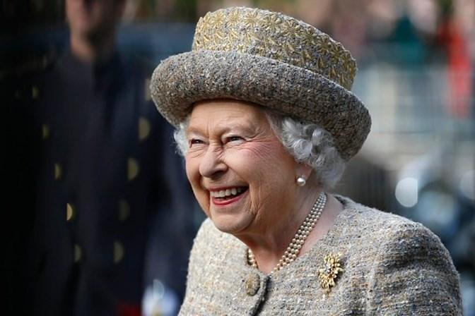 Rainha Elizabeth II toma 4 bons drinks diariamente