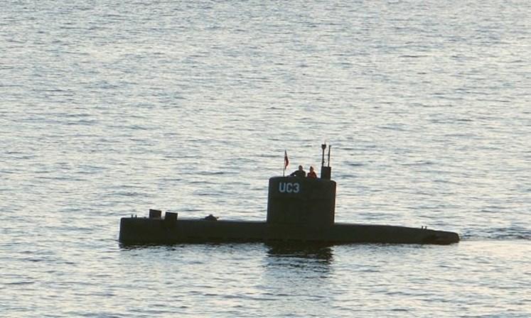 Jornalista morre em submarino durante entrevista ao inventor