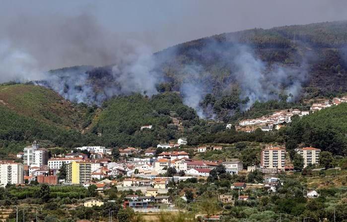 Dominado fogo na Covilhã — Incêndios