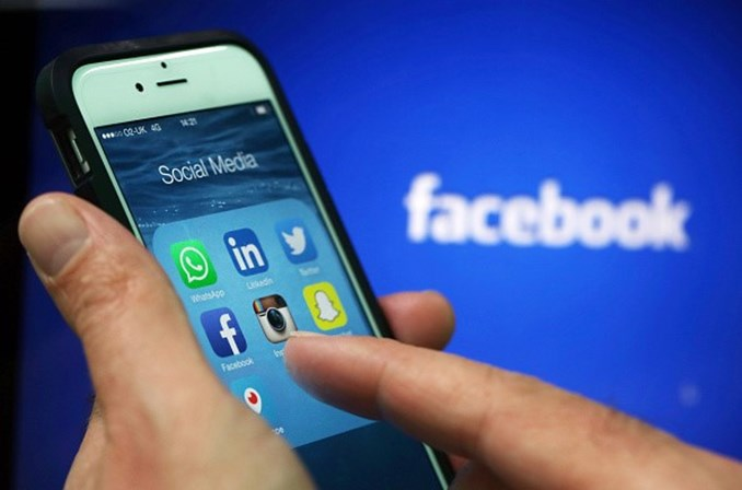 Dez milhões viram anúncios políticos pagos pela Rússia no Facebook