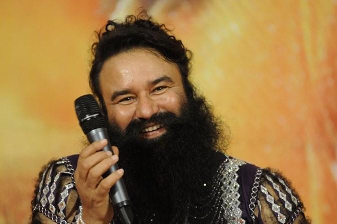 Índia. Seguidores de guru espalham o caos após condenação por violação