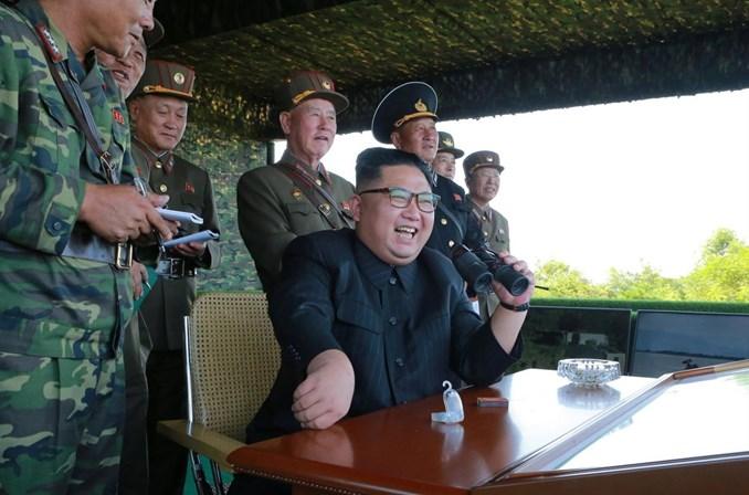 Coreia do Norte lança novos mísseis