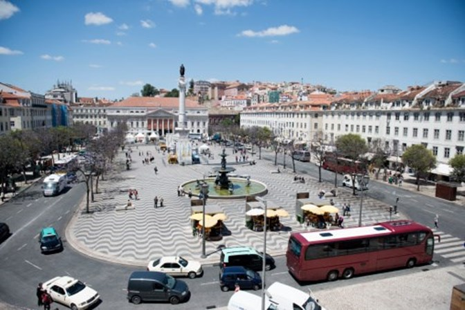 Onze cidades europeias podem proibir carros a gasóleo