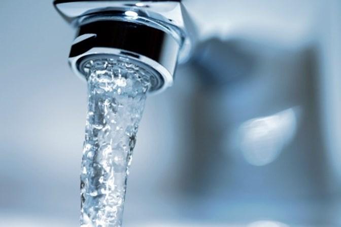 Água das torneiras de todo o mundo está contaminada com plástico