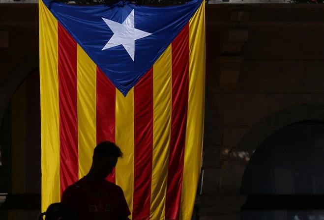 Governo catalão inicia organização de referendo independentista