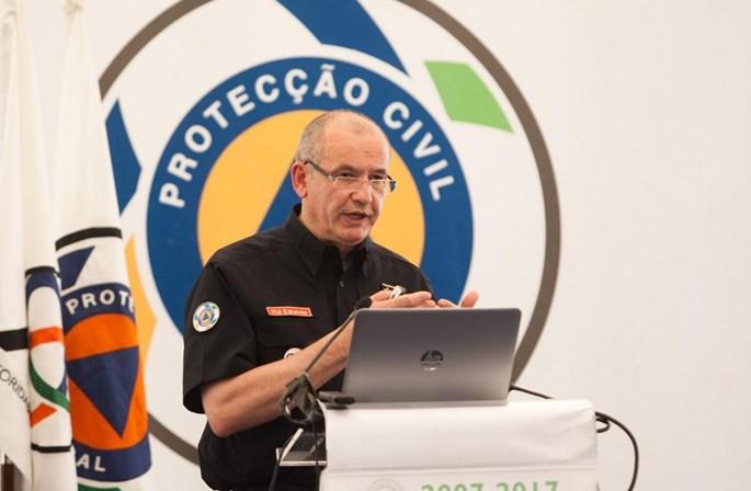Comandante da Protecção Civil licenciou-se com equivalências a 90% das cadeiras