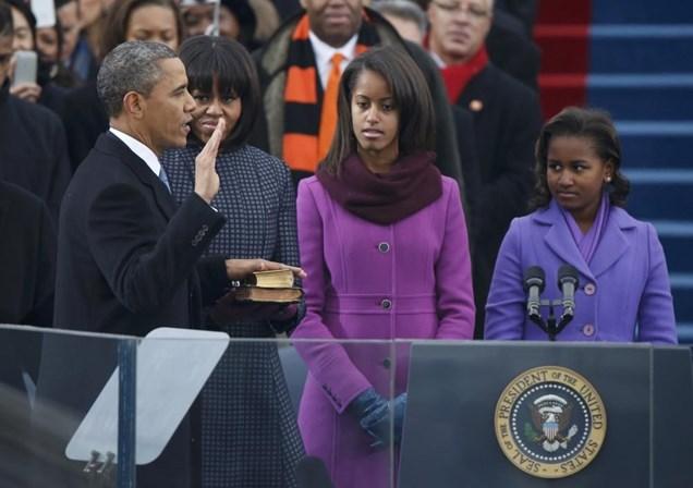 Filha de Obama irrita-se com assédio em Harvard