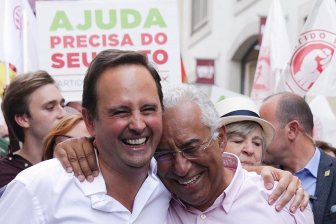 Autárquicas: António Costa apela ao voto na